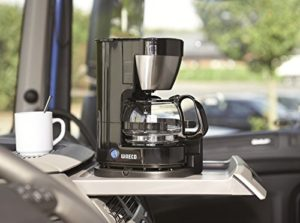 Kaffeemaschine in Auto